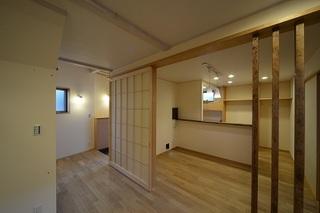 居間、食堂、玄関.JPG