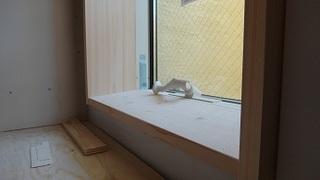 窓枠.JPG